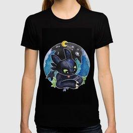 Baby Toothless Night Fury Dragon Watercolor black bg T-shirt