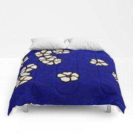 Small white flowers Comforters