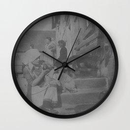 Das Huendlein Wall Clock