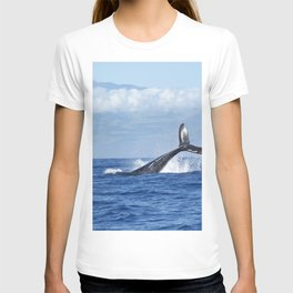 BLACK FISH DOVE INTO OCEAN AT DAYTIME T-shirt