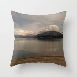 lake wanaka silent capture at sunset in new zealand Throw Pillow