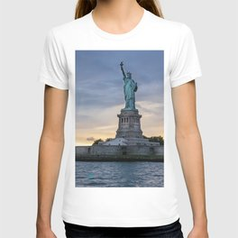 Statue of Liberty in New York at sunset T-shirt