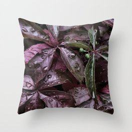 Lila blad Throw Pillow