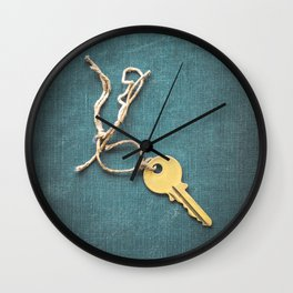 Key and String Wall Clock