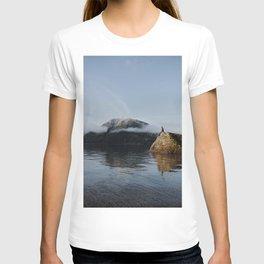 mount views T-shirt