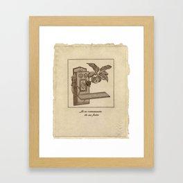 La no comunicación da sus frutos Framed Art Print