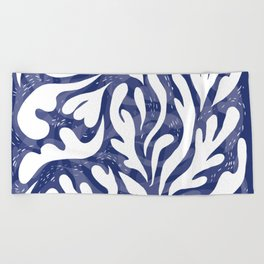 echo of the waves Beach Towel