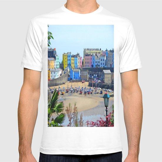Tenby Harbour.Colour.Reflection. T-shirt