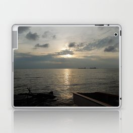 Dawn at Lake Maracaibo - I Laptop & iPad Skin