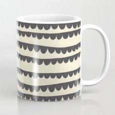Scalloped Garland Mug