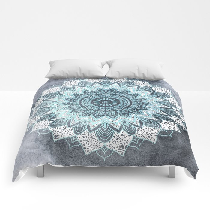 BOHOCHIC MANDALA IN BLUE Comforters