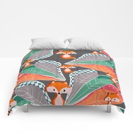 Summer fun with foxes and leaves Comforters