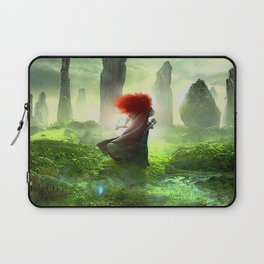 Merida The Brave - Portrait Merida Walking Laptop Sleeve