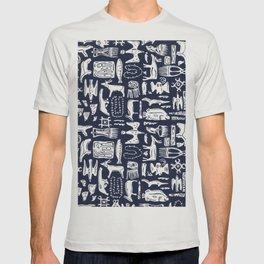 Inuit Eskimo Carvings by Nettwork2Design - Nettie Heron-Middleton T-shirt