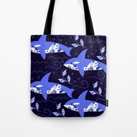 killer whale Tote Bags featuring Killer whale pattern by luizavictoryaPatterns