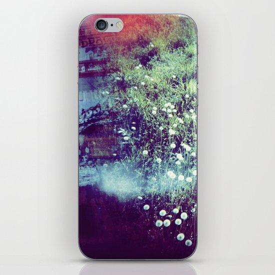Holga Flowers V iPhone Skin