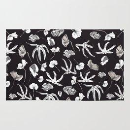Plastic jungle pattern Rug