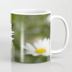 White daisy flowers Mug
