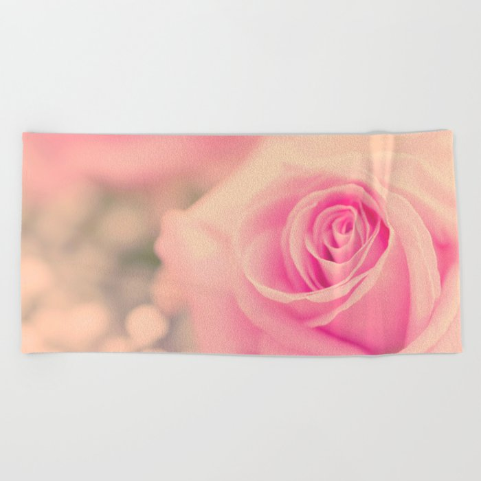 Vintage roses flowers floral - Pink rose flower bunch Beach Towel