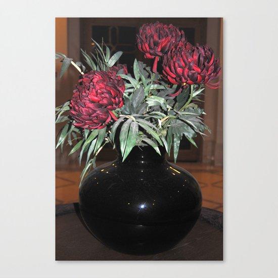 The black vase Canvas Print