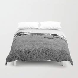 Impala in the grass Duvet Cover