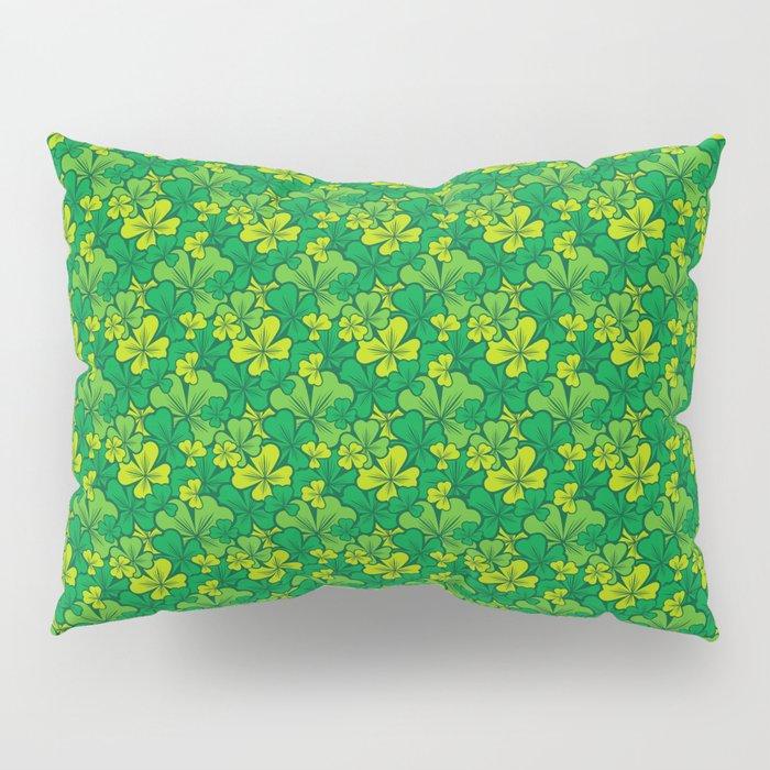 Lucky green pattern with shamrocks Pillow Sham