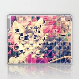 SWEET KITTEN WITH FLOWERS (TRIANGLES) Laptop & iPad Skin