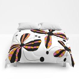 FLOWERY BELLA / ORIGINAL DANISH DESIGN bykazandholly Comforters