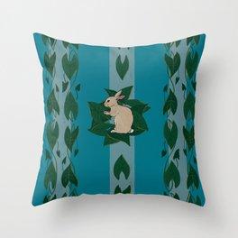 Memaw's country bun Throw Pillow