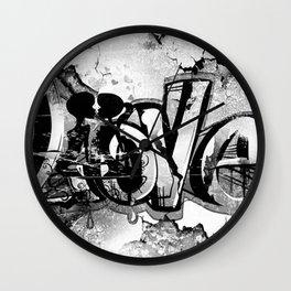 Graffiti Liebe Wall Clock