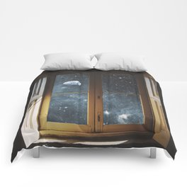 WINDOW TO THE UNIVERSE Comforters