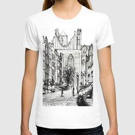 GOTHIC STREET OF POLISH CITY GDANSK IN GREY TONES T-shirt