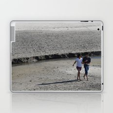 Young Love (2)  Laptop & iPad Skin