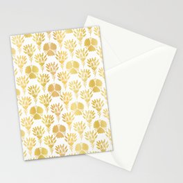 Luxury Gold Foil Flower Damask, Seamless Vector Pattern, Hand Drawn Metallic Stationery Cards