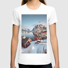 reine at lofoten T-shirt