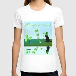 """""""Purr-fect Luck"""" T-shirt"""