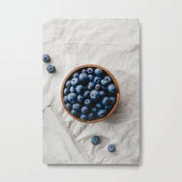 Fresh blueberry in a wooden bowl on linen Metal Print
