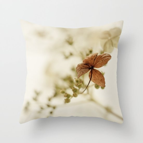 Hortensia Throw Pillow
