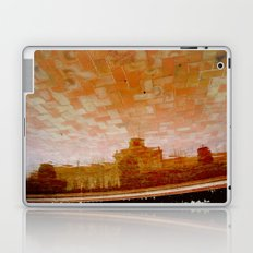 EL CIELO ESTÁ ENLADRILLADO... Laptop & iPad Skin