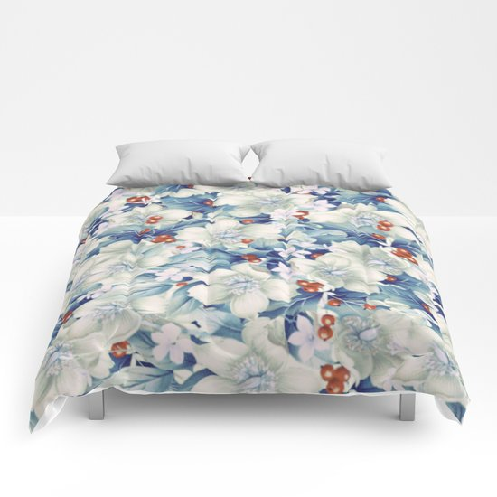 flowers and red berries Comforters
