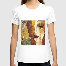 Gustav Klimt: The Kiss & Freya's Tears golden-red flower anemone college portrait painting T-shirt