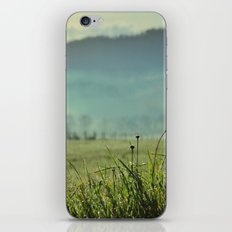 Misty morning in Tuscany iPhone & iPod Skin