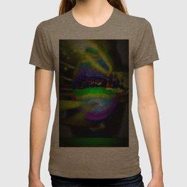 Late Nyte Lypzz T-shirt