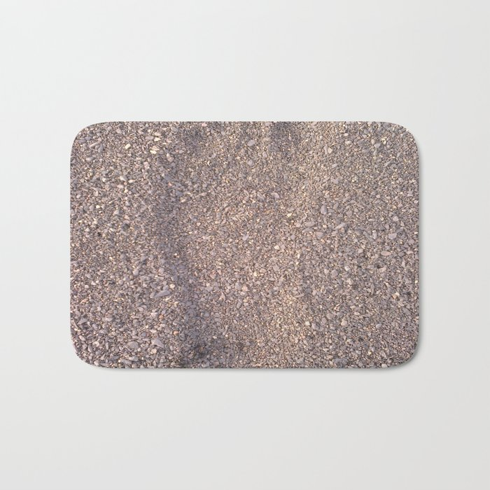 trace in the sand Bath Mat