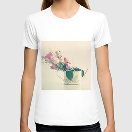 Shabby Chic Roses - Retro Vintage Pink Floral Photography on beige background T-shirt