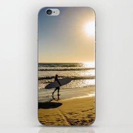 surfers sunset iPhone Skin
