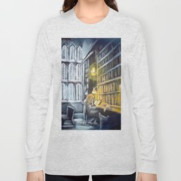 Hermione studying in the library Long Sleeve T-shirt