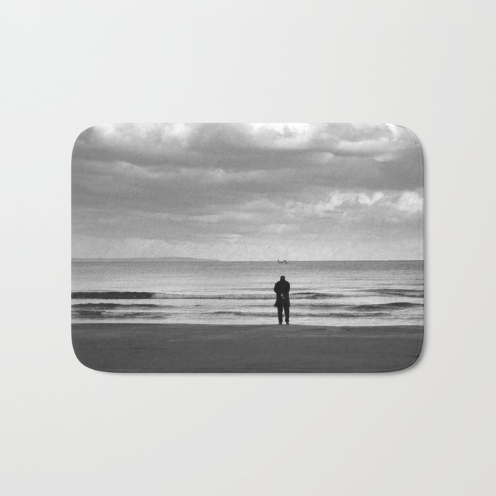 BEACH DAYS XXV BW MAN SILHOUETTE Bath Mat