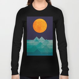 The ocean, the sea, the wave - night scene Long Sleeve T-shirt
