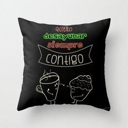 Desayunar 2 Throw Pillow